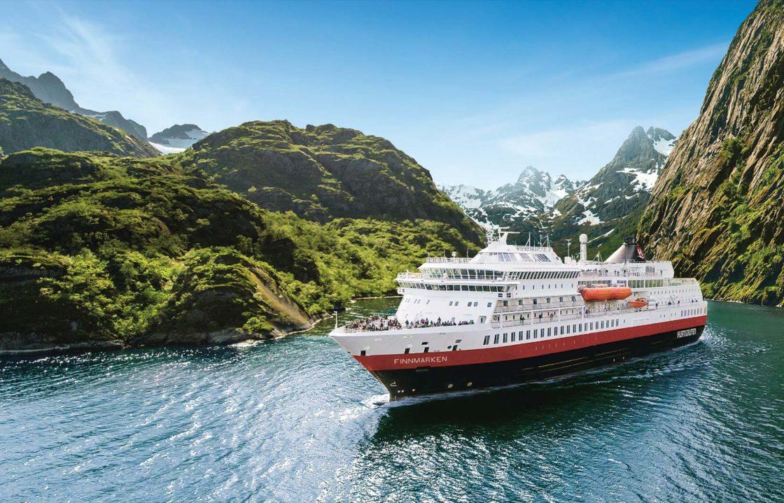 Die nordischen Länder | Partner | Hurtigruten | Trollfjord mit MS Finnmarken